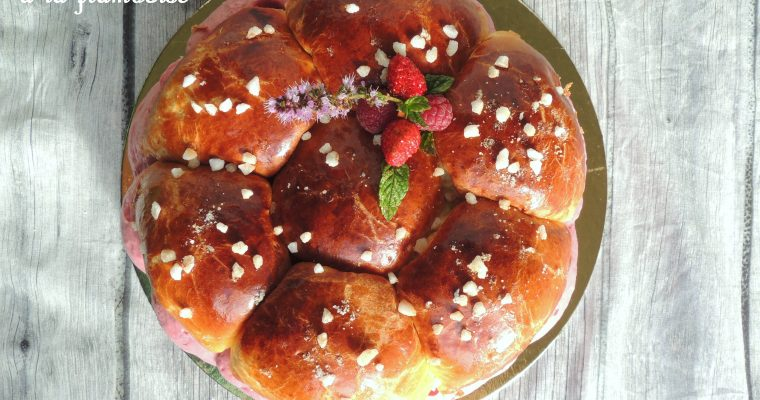 Tropézienne à la framboise – Raspberry filled brioche