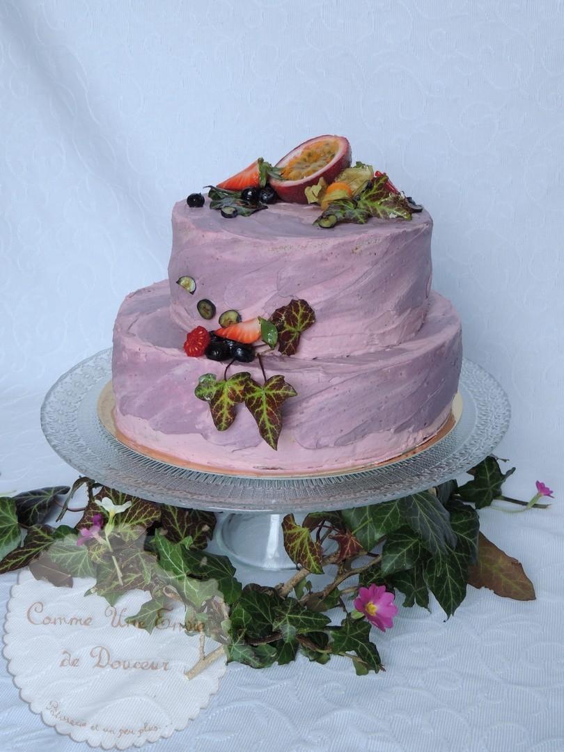 Layer cake en pièce montée mûre et chocolat – Blackberry & chocolate layer cake decoration tutorial