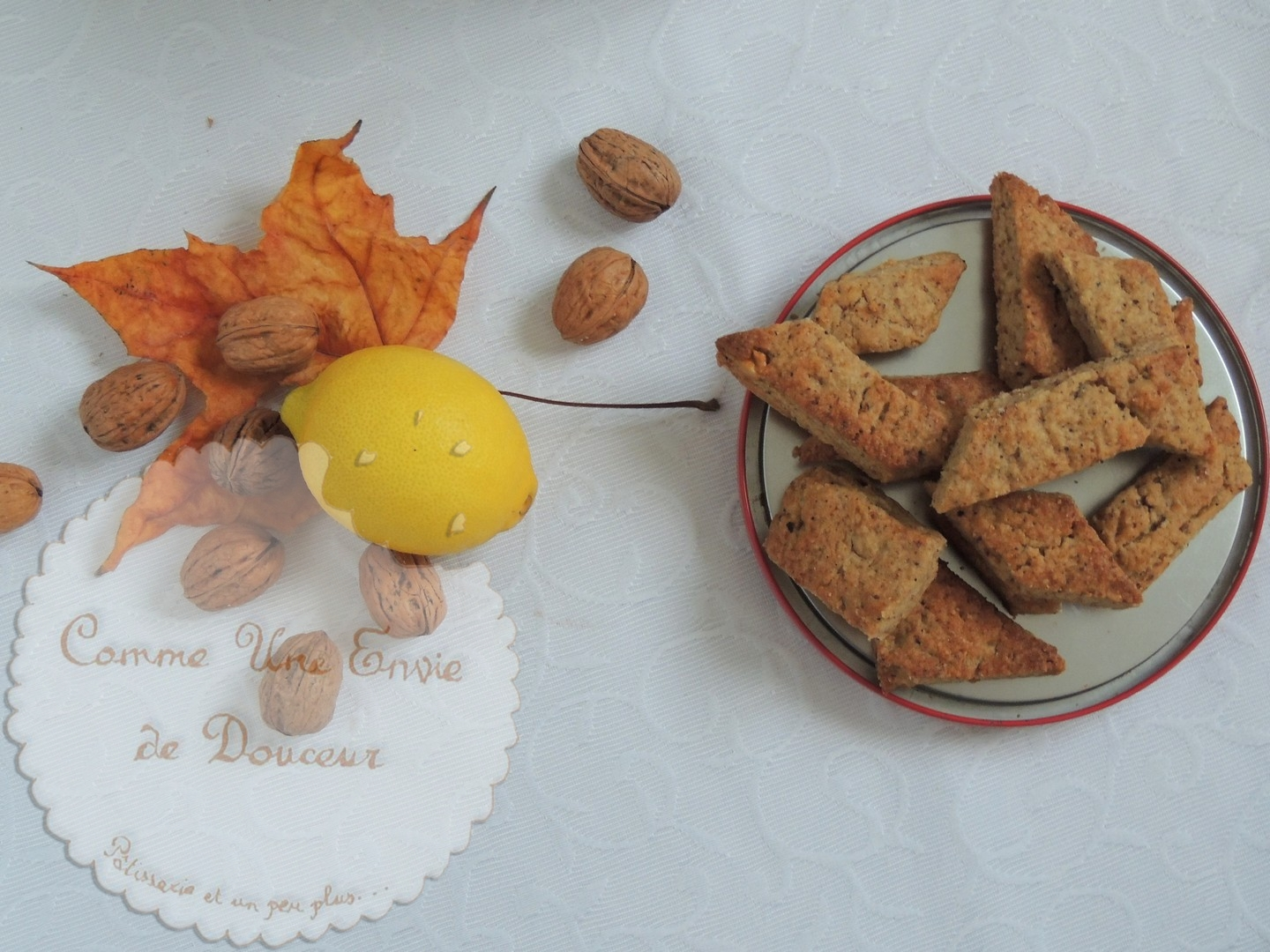 Canistrelli, biscuits croquants aux noix, citron & orange – Crunchy walnut's & lemon biscuits
