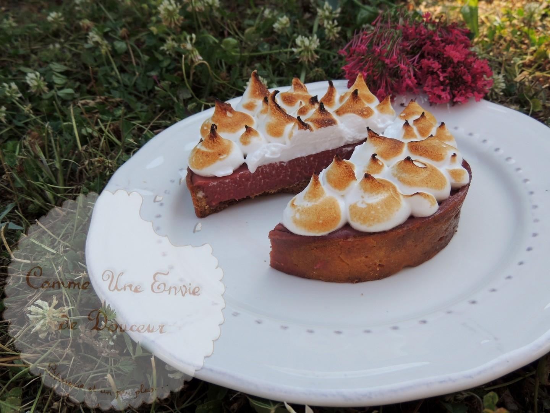 Tartelettes meringuées groseille cardamome ~ Redcurrant & cardamom meringue pies