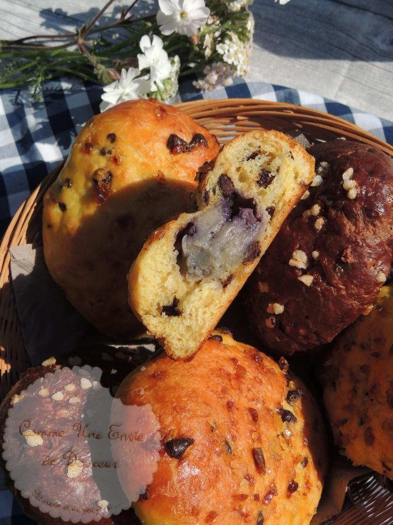 Pains briochés à la crème pâtissière myrtille ou chocolat