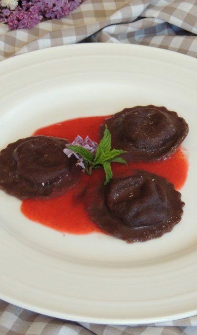 Raviolis au cacao & mascarpone ~ Coulis de fraise verveine