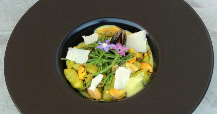 Gnocchis à l'oseille ~ Moules sauce courgette & curcuma