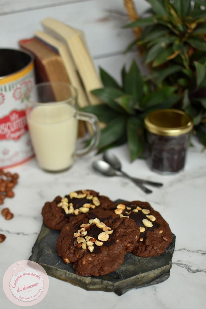 Cookies très chocolat ~ Et un peu noisette