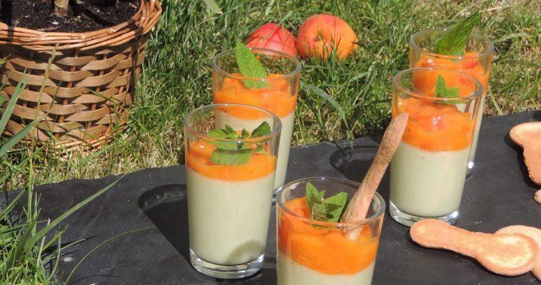 Panna cotta pistache & sa compotée d'abricot – Pistachio & apricot panna cotta