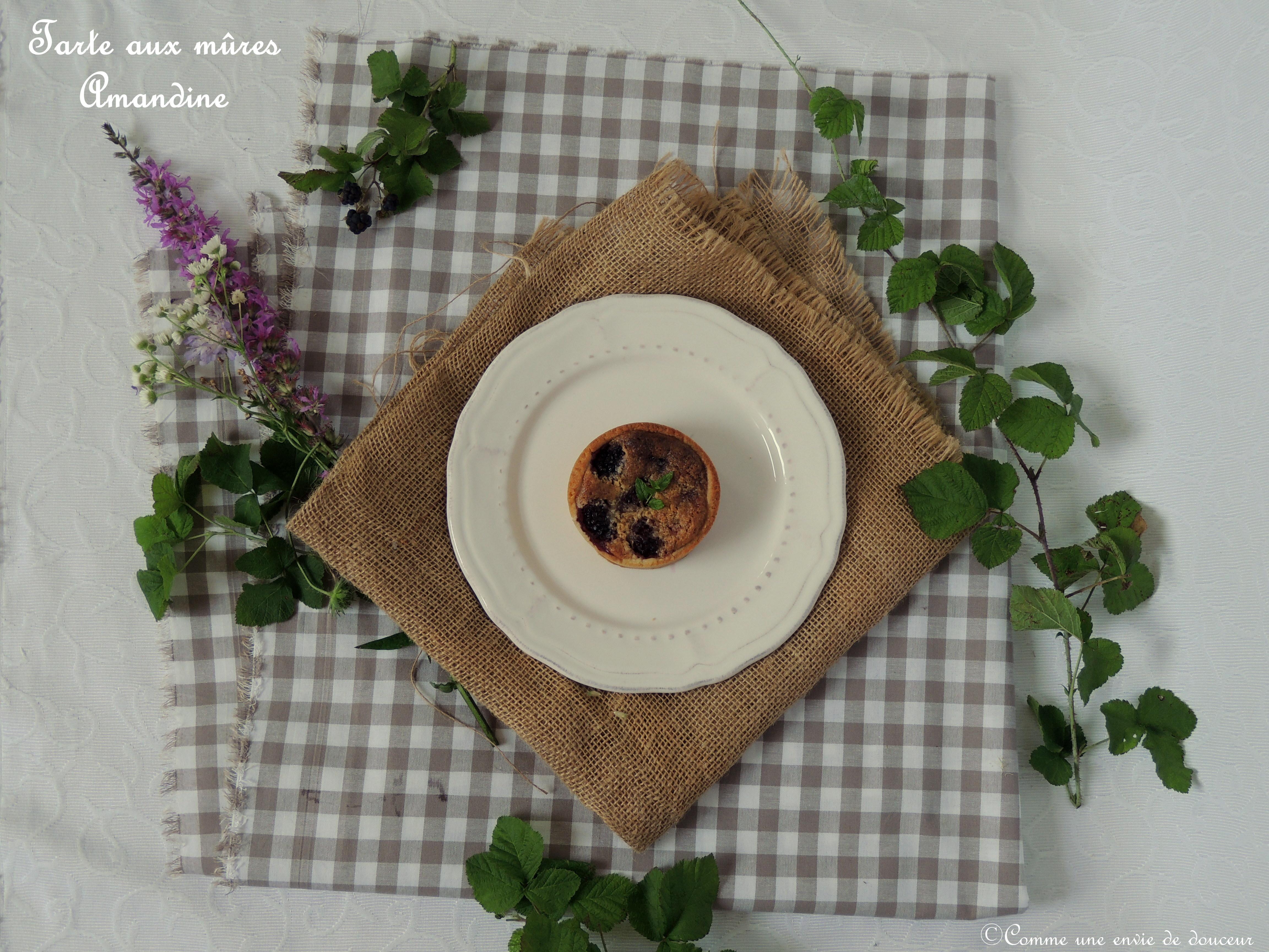 Tarte amandine aux mûres – Blackberry almond tartlets