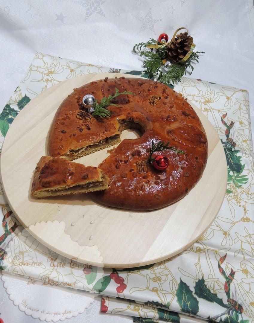 Couronne des rois à l'orange, frangipane aux noix – Orange & walnut brioche king's cake
