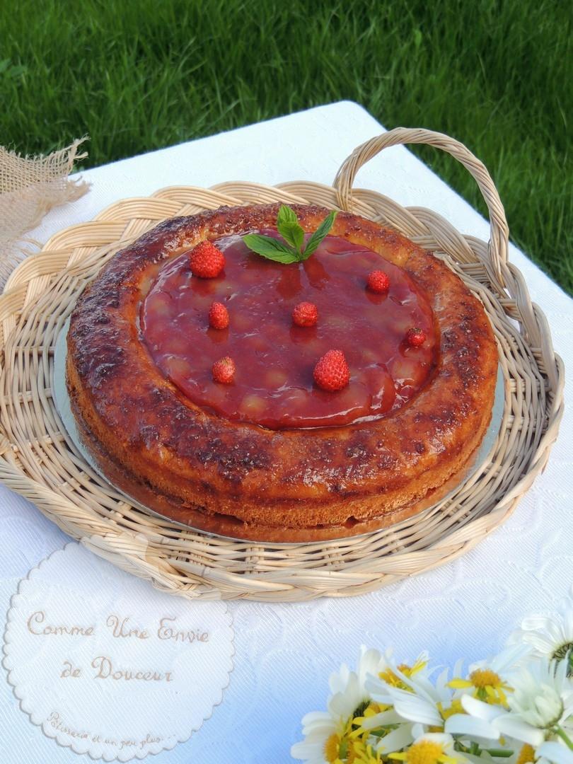 Tarte briochée fraise & rhubarbe